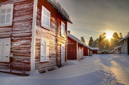 Bara strosa rund bland kyrkstugorna är en upplevelse i sig. © Foto: Peter Lundberg