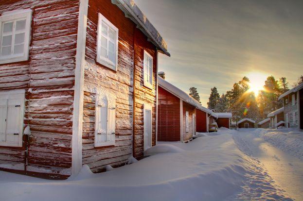 Kyrkstugorna på kyrkmalmen. Foto: Peter Lundberg.
