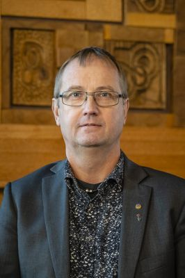Tomas Egmark (s)