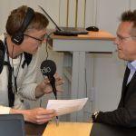 Jan-Erik Backman, skolchef  i Älvsbyns kommun, intervjuas av P4 Norrbotten Sveriges Radio.