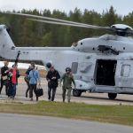 Som fallen från skyarna kom landshövdingen till Älvsbyn för första gången i sällskap av respresentanter för Folk och Försvar.