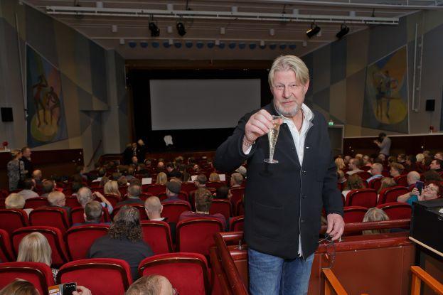 Rolf Lassgård på världspremiären av nya Jägarna tackade alla i Älvsbyn för det goda mottagandet på alla sätt. Foto: Krister Palm