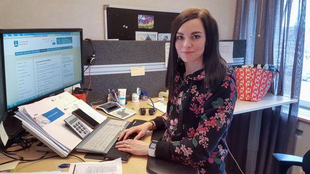 Carolina Södersten på Älvsbyns kommuns ekonomiavdelning (Foto Peter Lundberg)