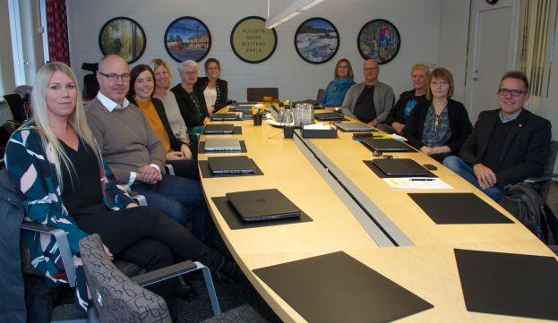 Älvsbyns kommuns skolledare vid konferensbord